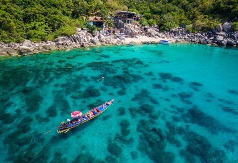 ชายหาดของเกาะเต่า อ่าวม่วง