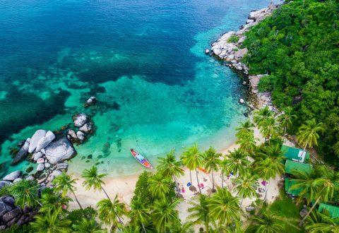 อ่าวและชายหาดของเกาะเต่า — หาดทรายนวล