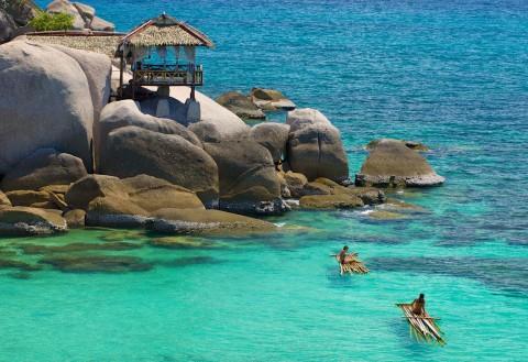 อ่าวและชายหาดของเกาะเต่า — อ่าวจันทร์สม