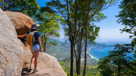 กิจกรรมท่องเที่ยวบนเกาะเต่า - เดินป่า
