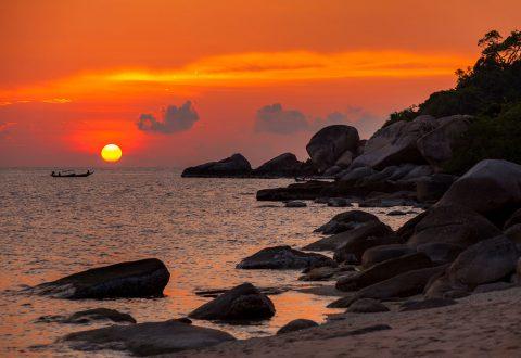 อ่าวจุลเจือ ชายหาดของเกาะเต่า