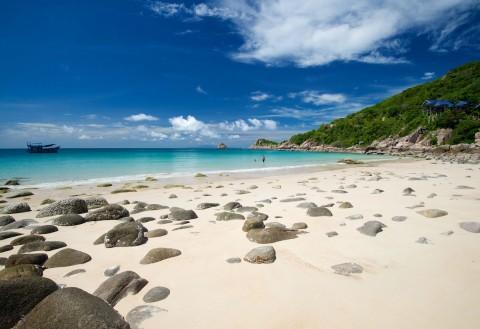 อ่าวลึก ชายหาดของเกาะเต่า