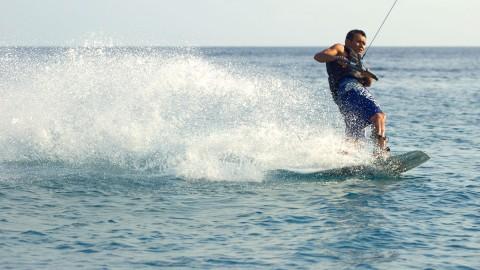 กิจกรรมท่องเที่ยวบนเกาะเต่า - กีฬาทางน้ำ
