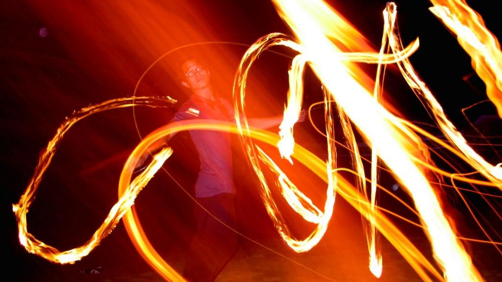 Koh Tao nightlife fire show