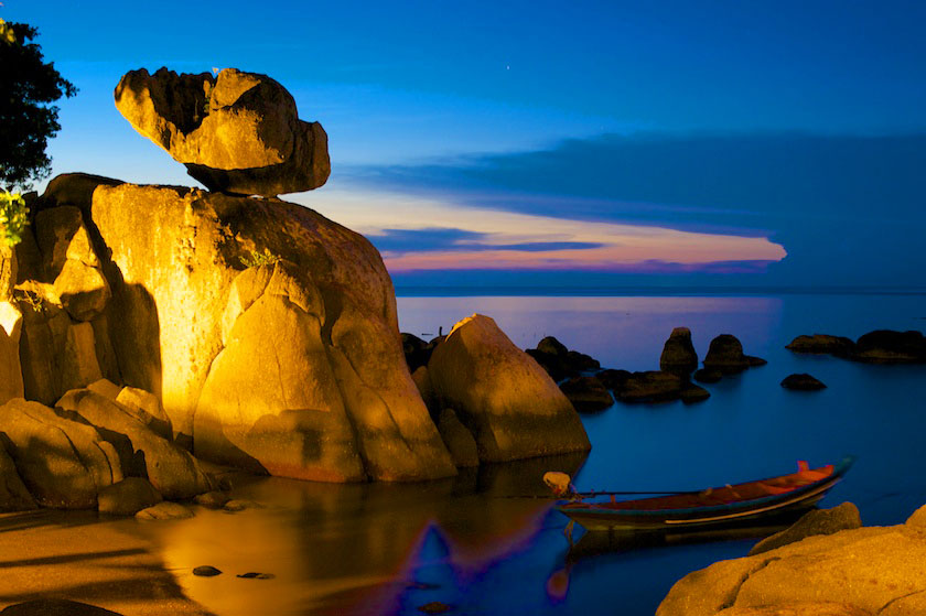 Rock formation in Mae Haad Bay, Koh Tao