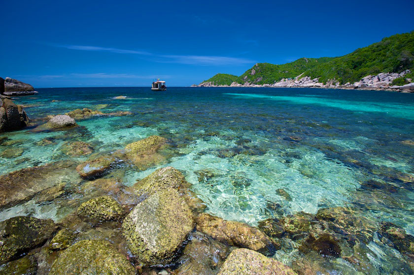 Crystal clear water at Laem Thian, Koh Tao