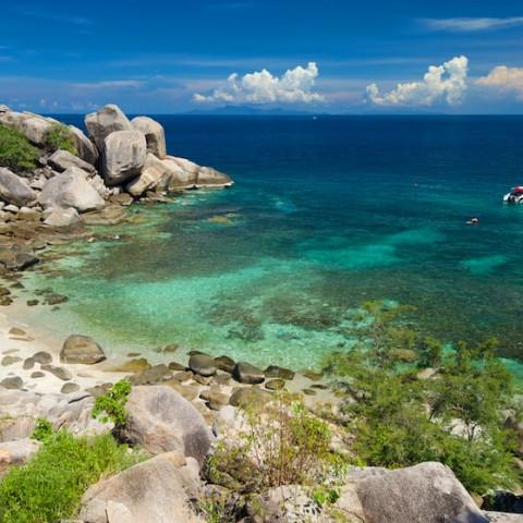 Beach at the south side of Laem Thian, Koh Tao
