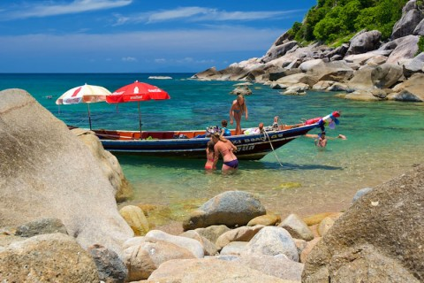 การเดินทางบนเกาะเต่าโดยเรือหางยาว