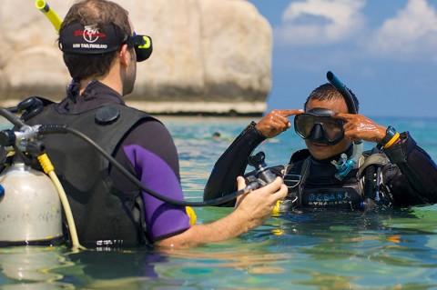 เรียนเป็นครูสอนดำน้ำสกูบาที่เกาะเต่า