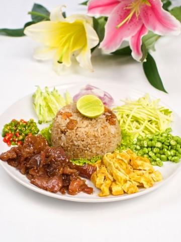 เรียนทำอาหารไทยที่เกาะเต่า