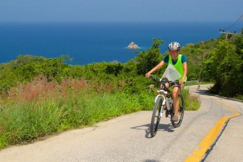 การเดินทางบนเกาะเต่าโดยจักรยาน