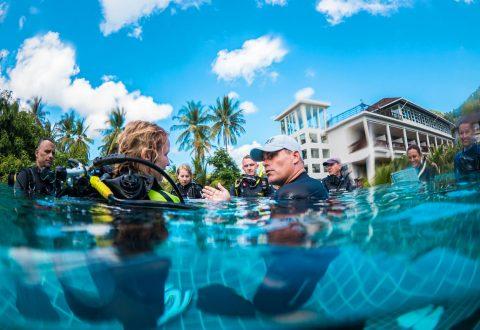 โรงเรียนสอนดำน้ำบนเกาะเต่า - แบนส์ไดฟวิ่งรีสอร์ท